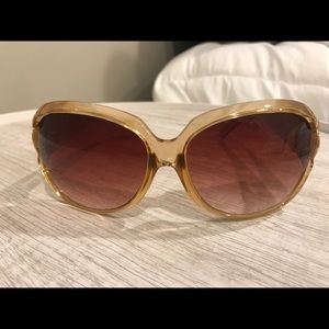 Kenneth Cole brand new sunglasses! Pattern on side